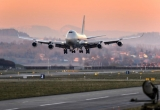 'Thợ mỏ' đào tiền ảo thuê hẳn Boeing 747 để chở card màn hình