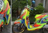 Honda Scoopy biến hóa trong 'vũ điệu bảy sắc cầu vồng'