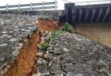 Xói lở chân cầu Hàm Rồng, đe dọa an toàn tuyến đường sắt Bắc - Nam