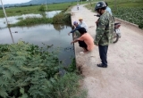 Hà Tĩnh: Hai mẹ con bị té ngã vì cầu không có lan can, mẹ tử vong