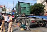Bình Dương: Đối đầu với xe container, nam thanh niên tử vong tại chỗ