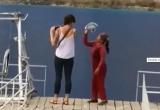 Chụp ảnh ở 'Tuyệt Tình cốc', khách Tây bị một phụ nữ đòi thu 10 nghìn đồng xua đuổi