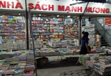 Bày bán sách lậu, Nhà sách Mạnh Hương bị xử phạt