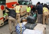 Hà Tĩnh: Chở hàng không rõ nguồn gốc, tài xế xe khách rồ ga bỏ chạy