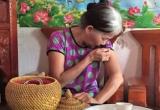 Mẹ vợ kể chuyện con rể chém con gái rách mặt, gần lìa ngón tay
