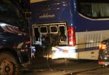 Bình Dương: Xe tải húc xe khách, gây tai nạn liên hoàn trong đêm