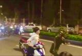 TPHCM: Một thiếu tá công an bị đối tượng cầm hung khí hành hung trên đường