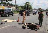Hai người bị ô tô cán thương vong ở dốc cầu Bình Triệu