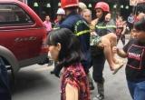 Cháy ở phố Tây, cặp vợ chồng già kêu cứu trong căn nhà 4 tầng