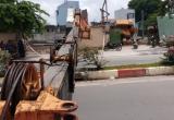 Cần cẩu gara ô tô Gia Định đổ sập ra đường, nhiều người thót tim