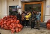 Ban trị sự Phật giáo huyện Bù Đăng tặng quà đồng bào vùng lũ - Trạm Tấu