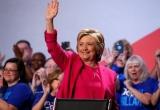 Bà Clinton vẫn chưa thoát bê bối email