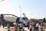 Quảng Ninh: Xe bồn cuốn xe máy vào gầm, một nạn nhân bị xe cán đứt lìa đùi