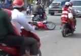 Bình Dương: Gây tai nạn rồi đuổi đánh nạn nhân