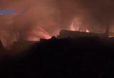 Bình Dương: Hỏa hoạn ở công ty gỗ trong đêm, nhiều tài sản bị thiêu rụi