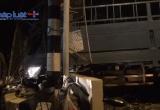Bình Dương: Xe máy va chạm với xe tải, 2 người thương vong