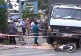 Bình Dương: Va chạm với xe tải, 2 ông cháu tử vong