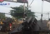 TP HCM: Đế nhồi cọc bê tông nặng hơn 100 tấn rơi xuống đường, nhiều người hốt hoảng bỏ chạy