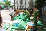 Hà Tĩnh: Bắt gần 3 tấn nội tạng bẩn dấu kín trong thùng xe container