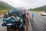 Hà Tĩnh: Xe tải đâm đuôi xe đầu kéo, tài xế thoát chết trong gang tấc