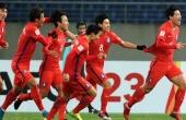 Olympic Hàn Quốc thắng kiểu tennis, Malaysia có 3 điểm đầu tay