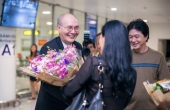 Nhạc sĩ Vũ Thành An đặt chân về Việt Nam sau nhiều năm xa cách