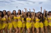 """Dàn mỹ nhân bikini nhảy flashmob """"đốt cháy"""" bãi biển Đà Nẵng"""