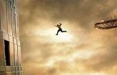 """""""Tòa Tháp Chọc Trời"""" bất ngờ vượt lên đứng đầu phòng vé Việt Nam"""