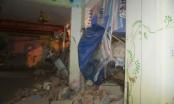 Đà Nẵng: Tháo dỡ không đảm bảo, 300 học sinh nghỉ học vì trường bị... sập tường