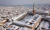 """Italia: Hàng nghìn ô tô """"kẹt cứng"""" nhiều giờ vì tuyết"""