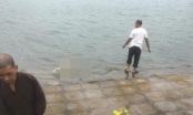 Hoảng hồn phát hiện thi thể cô gái trên hồ Định Công cùng lá thư tuyệt mệnh