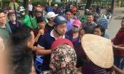 Bắt quả tang bảo vệ thuộc VFF phe vé trận Việt Nam - Philippines