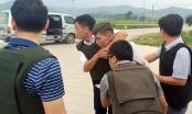 Nóng: Hàng trăm chiến sỹ cảnh sát vây bắt nhóm đối tượng ôm súng cố thủ trong ôtô