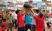 Cả làng hò nhau nổ pháo vui xuân ở Thái Bình