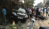 """Thanh Hóa: """"Xe điên"""" đâm liên hoàn nhiều xe máy, một phụ nữ bị cuốn vào gầm"""