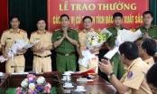 Công an Nghệ An thưởng nóng chiến công bắt hai đối tượng vận chuyển 30 bánh Heroin