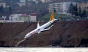 Thổ Nhĩ Kỳ: Máy bay trượt đường băng, suýt lao xuống biển