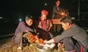 Mâm cơm cúng tổ tiên của người Pà Thẻn ở Hà Giang
