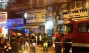Cháy nhà giữa trung tâm TP HCM, cả khu phố tháo chạy trong đêm