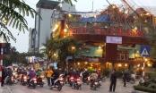 Nhà hàng Hoa Tửu Quán ngang nhiên lấn chiếm vỉa hè, lập điểm trông xe trái phép