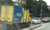 Hà Nội: Lấn làn ngược chiều, tài xế vung tay yêu cầu các phương tiện phải nhường đường