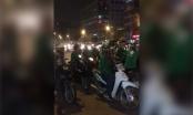 [Clip]: Hàng chục GrabBike tìm xe ôm truyền thống để trả thù