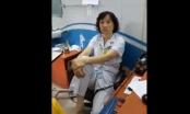 Bác sĩ Bệnh viện Mắt Trung ương gác chân lên ghế đối thoại với người nhà bệnh nhân