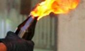 Khánh Hòa: Bắt giữ đối tượng ném xăng đang cháy vào trụ sở Công an phường