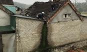 Nổ lớn thổi bay mái nhà, hai vợ chồng bị thương nặng