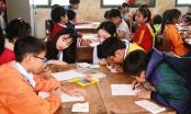Quảng Ngãi: Sinh viên Hàn Quốc dọn dẹp biển, dạy kỹ năng cho học sinh