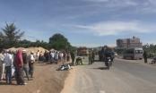Quảng Ngãi: Va chạm với xe khách, nữ công nhân tử vong