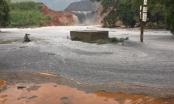Bãi thải chứa hóa chất nhà máy DAP 2 Lào Cai bị vỡ tràn ra môi trường
