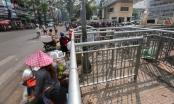 Rào chắn như 'mê cung' ở vỉa hè Sài Gòn