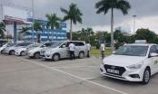 Hàng chục tài xế taxi đình công ở sân bay Đà Nẵng phản đối Grab